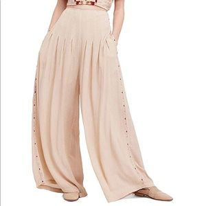 "Free People "" Santoshi""Pants 🌅🌅"